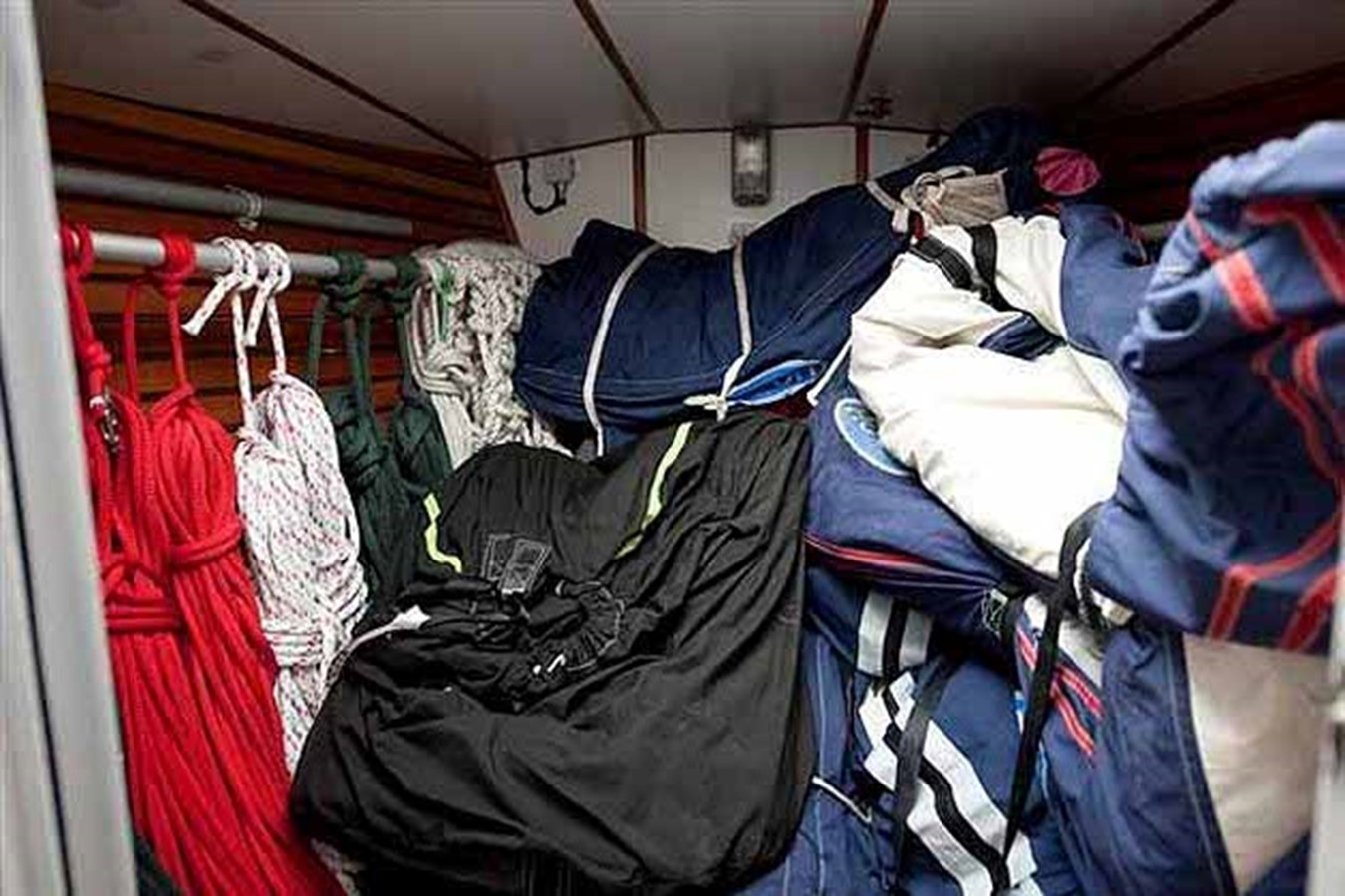2000 DEVONPORT YACHTS Devonport Challenge 72 Cruising Sailboat 1516101