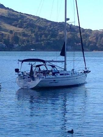 At Anchor 2002 CATALINA 400 MkII Cruising/Racing Sailboat 1525972