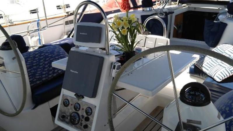 Cockpit Detail 2002 CATALINA 400 MkII Cruising/Racing Sailboat 1525992