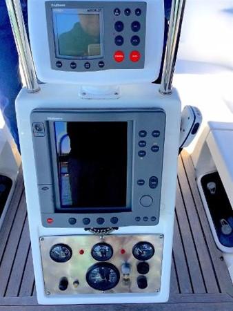 Cockpit Electronics 2002 CATALINA 400 MkII Cruising/Racing Sailboat 1525993