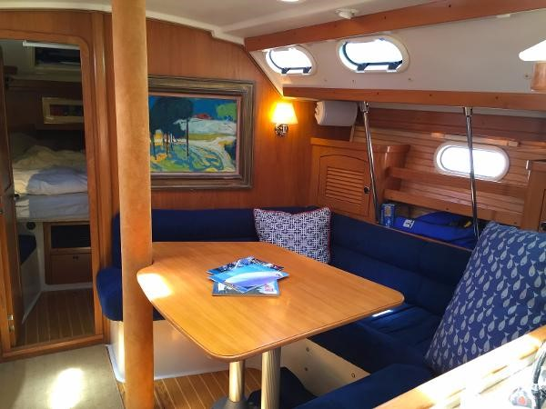 U-Shaped Salon Dinette 2002 CATALINA 400 MkII Cruising/Racing Sailboat 1525998