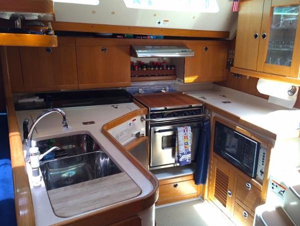 Full Galley 2002 CATALINA 400 MkII Cruising/Racing Sailboat 1526003