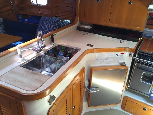 Dual SS Sink 2002 CATALINA 400 MkII Cruising/Racing Sailboat 1526005