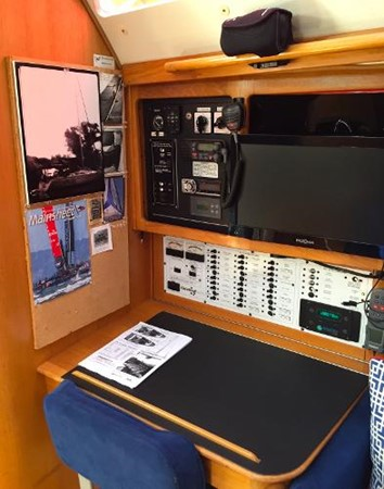 Nav Station 2002 CATALINA 400 MkII Cruising/Racing Sailboat 1526016