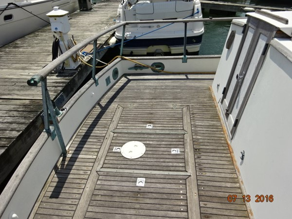 36' Grand Banks aftdeck port 1978 GRAND BANKS 36 Classic Trawler 1549167