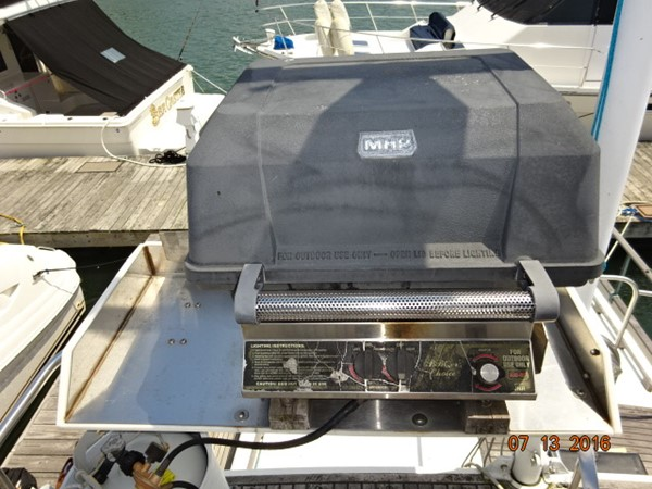 36' Grand Banks flybridge BBQ grill 1978 GRAND BANKS 36 Classic Trawler 1549170