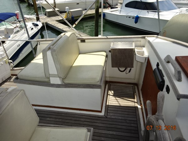 36' Grand Banks flybridge port 1978 GRAND BANKS 36 Classic Trawler 1549175