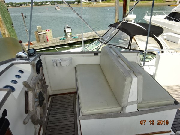 36' Grand Banks flybridge starboard 1978 GRAND BANKS 36 Classic Trawler 1549176