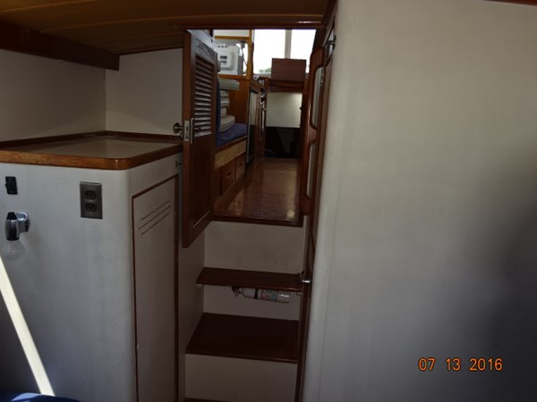 36' Grand Banks master stateroom forward 1978 GRAND BANKS 36 Classic Trawler 1549191