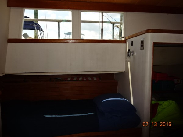 36' Grand Banks master stateroom port 1978 GRAND BANKS 36 Classic Trawler 1549193