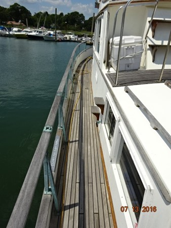 36' Grand Banks port side deck photo2 1978 GRAND BANKS 36 Classic Trawler 1549198