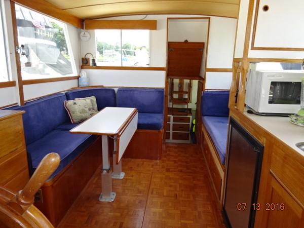 36' Grand Banks salon aft 1978 GRAND BANKS 36 Classic Trawler 1549200