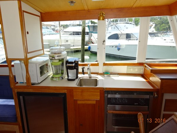 36' Grand Banks salon port 1978 GRAND BANKS 36 Classic Trawler 1549202