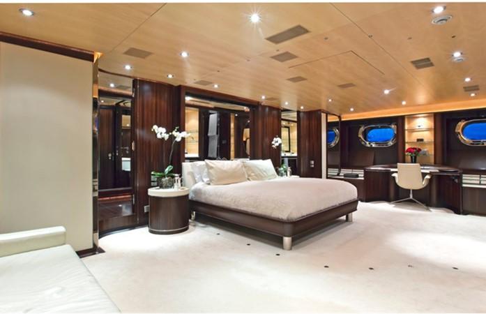2005 PERINI NAVI  Cruising Sailboat 1557450