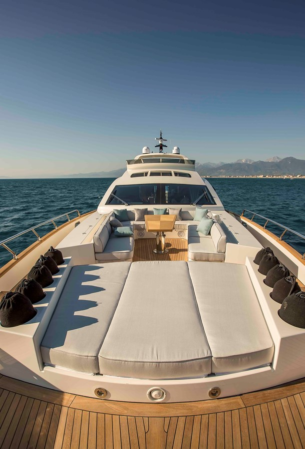 VERSILCRAFT 88 yacht for sale