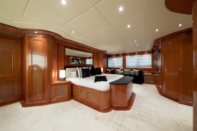 2005 MondoMarine 40 m Semi-Displacement 1890588