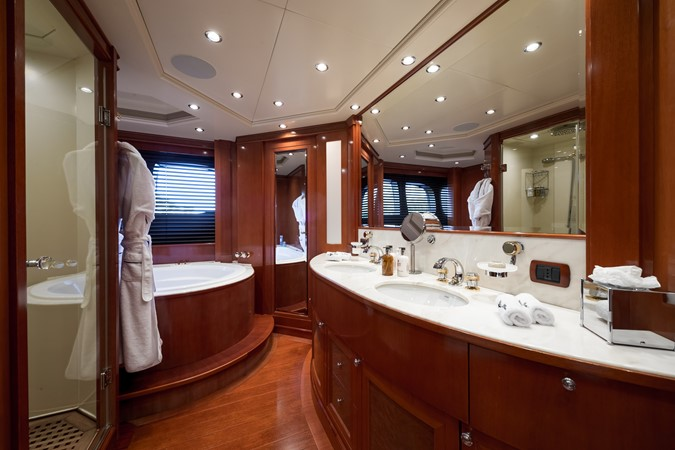 2005 MondoMarine 40 m Semi-Displacement 1890590
