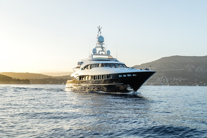 2005 MondoMarine 40 m Semi-Displacement 1890591