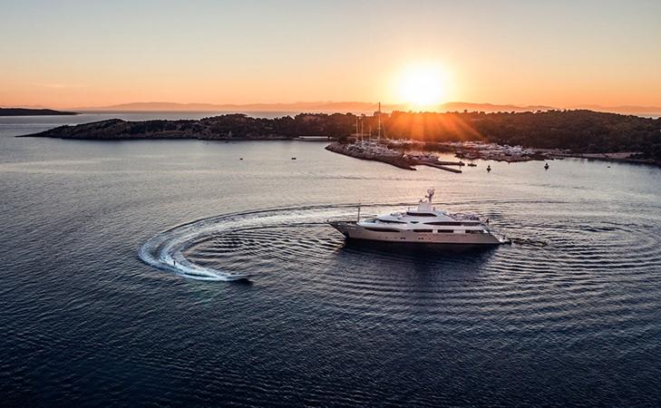 2011 CRN  Mega Yacht 1800790