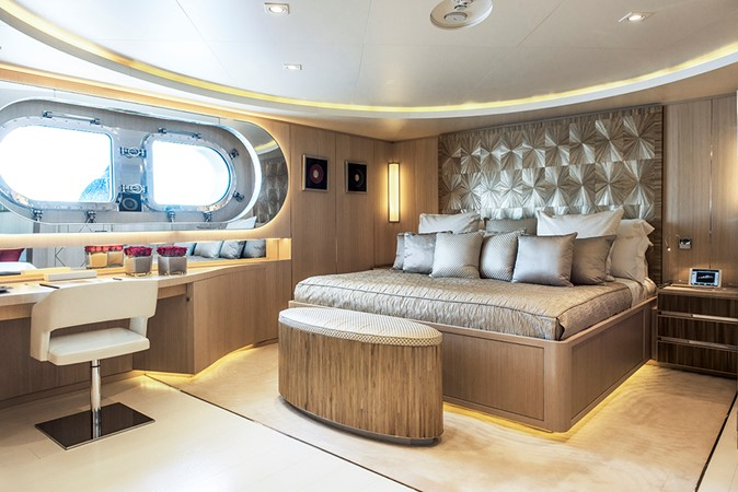 2011 CRN  Mega Yacht 1800806