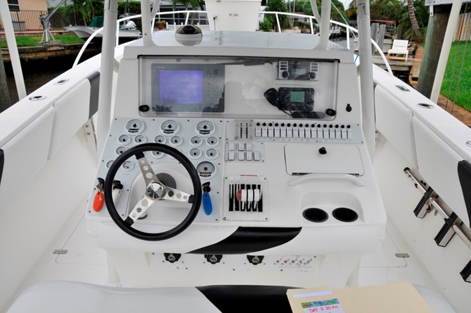 Helm Overview 2005 FOUNTAIN Tournament Edition Center Console 1619943