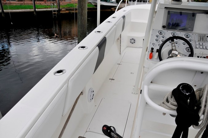 Port Side Access 2005 FOUNTAIN Tournament Edition Center Console 1619952