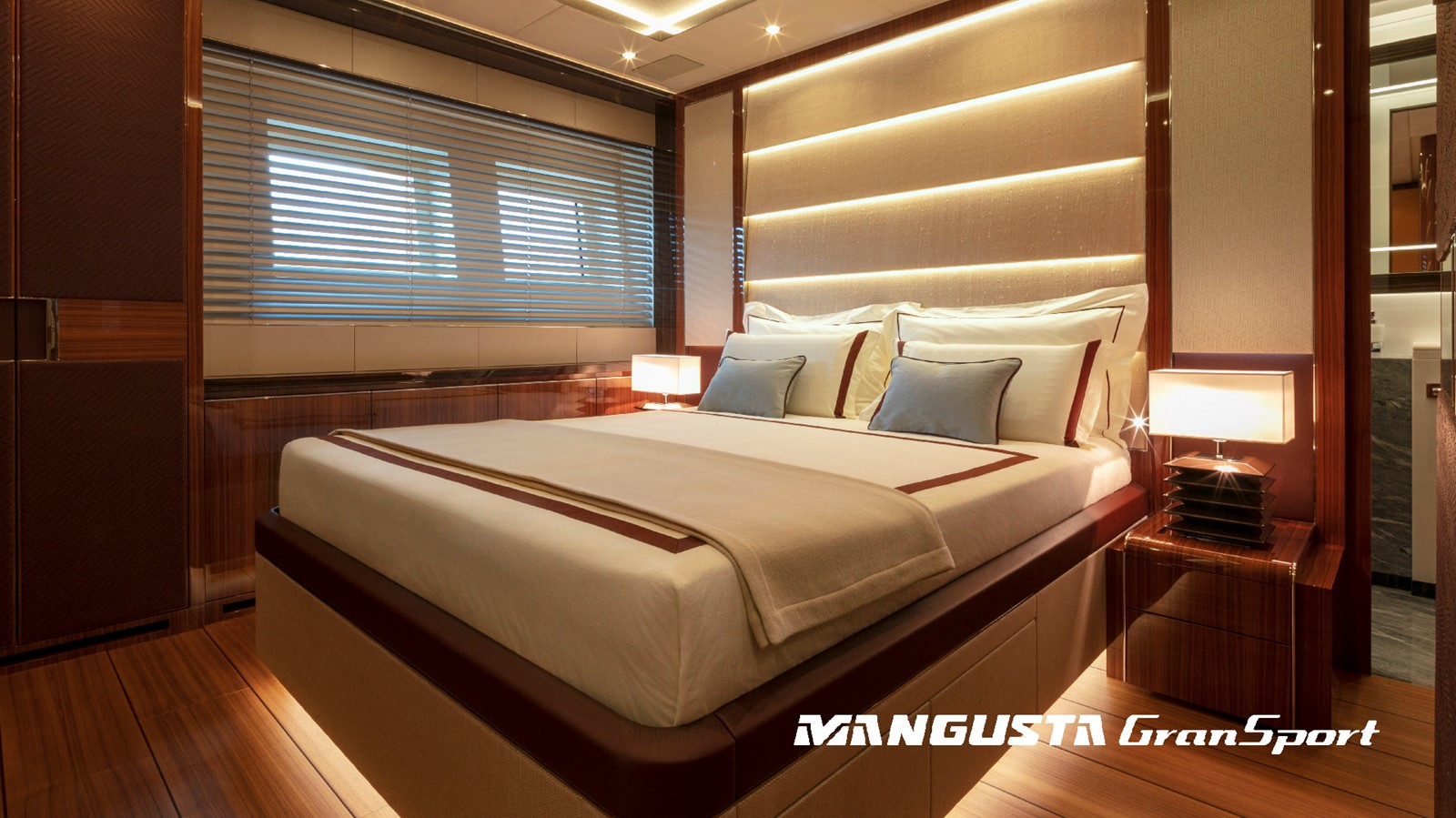 2022 OVERMARINE GROUP  Mega Yacht 2581408