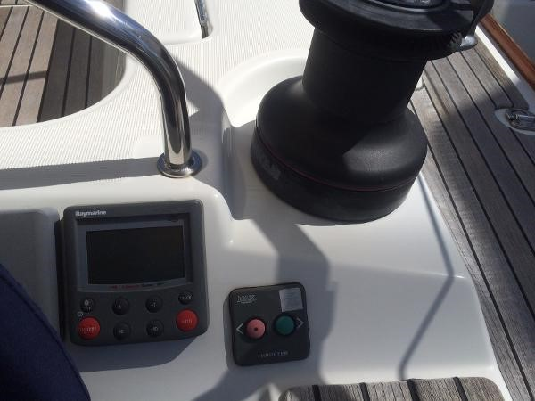 Bow Thruster Control and AutoPilot 2007 JEANNEAU 42i Cruising/Racing Sailboat 1643746