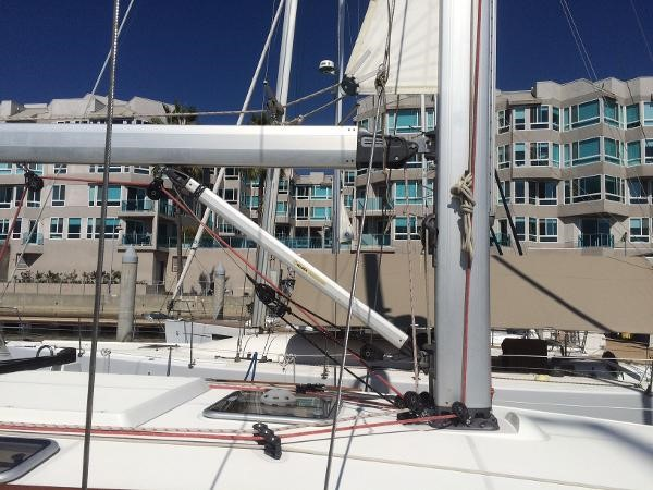 Solid Boom Vang and RF Main 2007 JEANNEAU 42i Cruising/Racing Sailboat 1643749