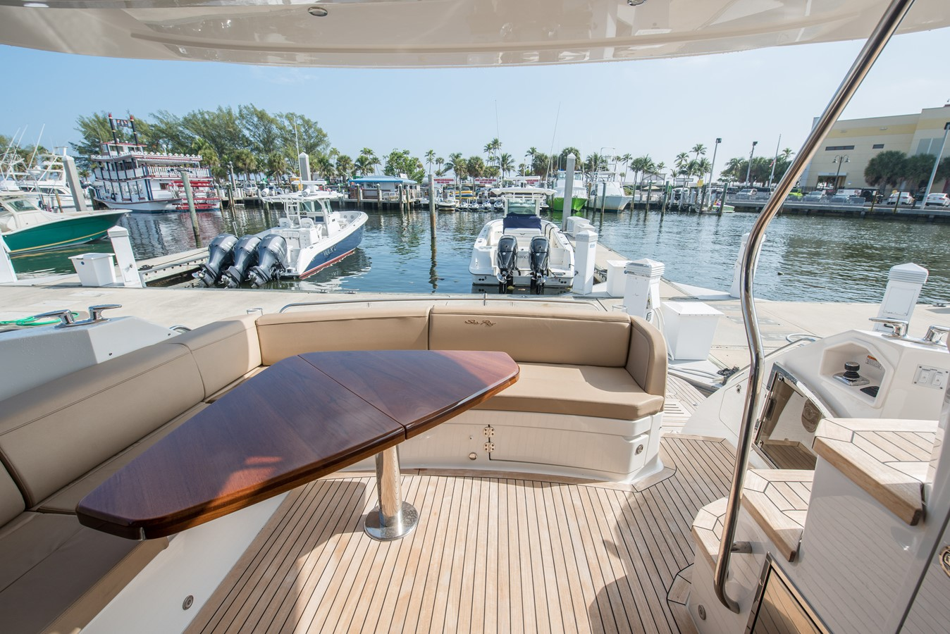 2016 SEA RAY Flybridge  1662555