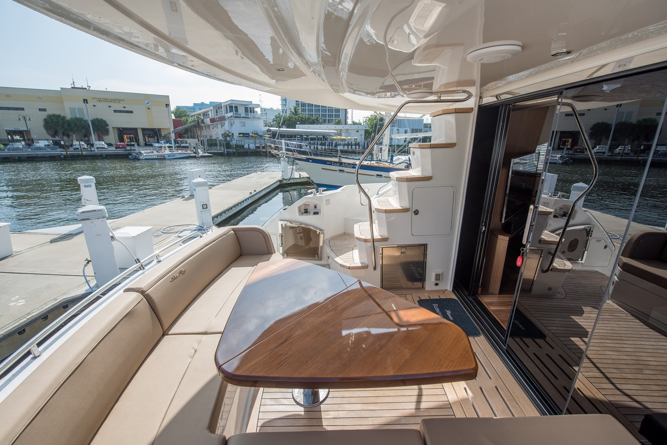 2016 SEA RAY Flybridge  1662559