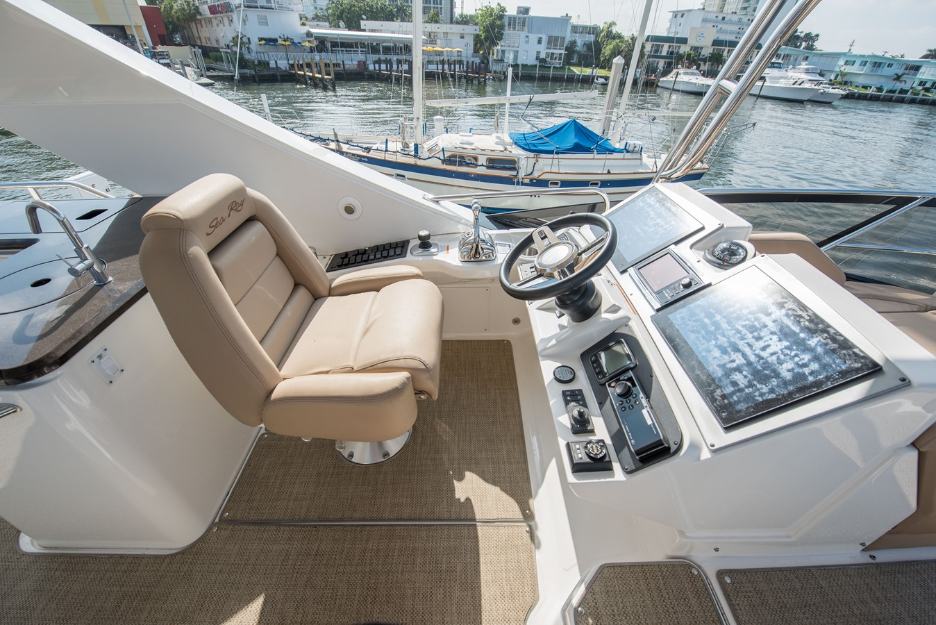 2016 SEA RAY Flybridge  1662566