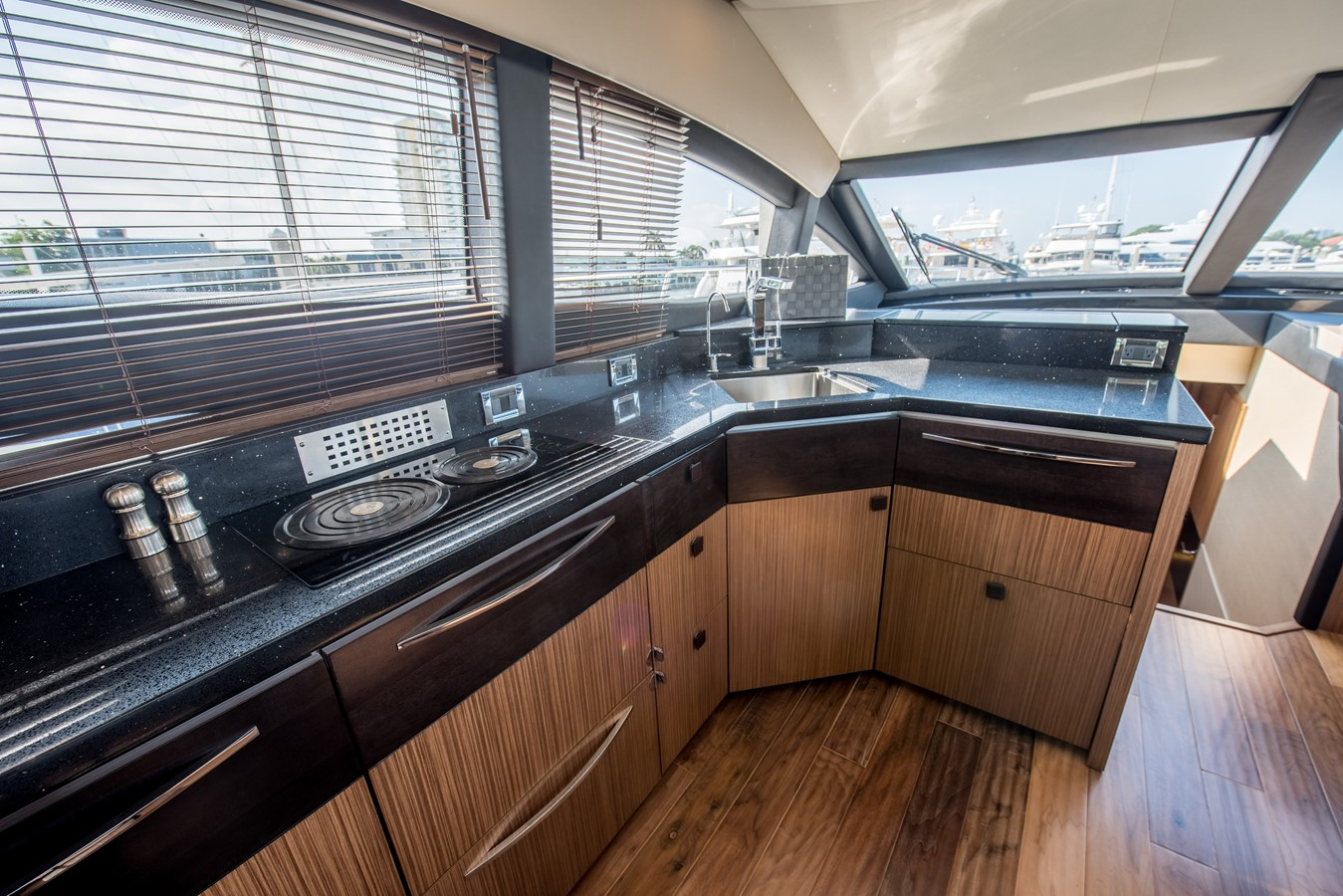 2016 SEA RAY Flybridge  1662621