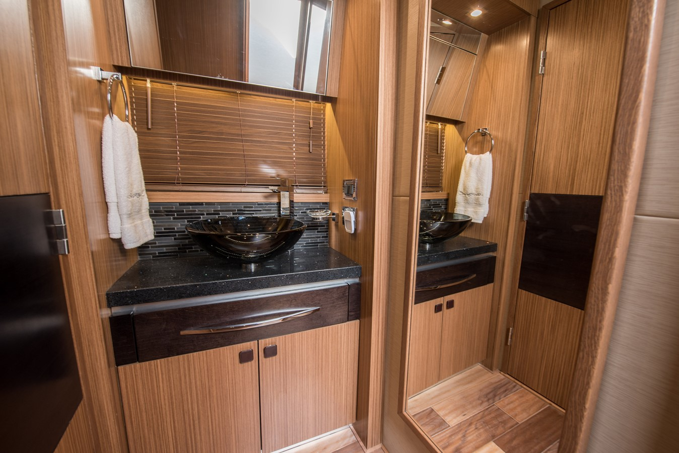 2016 SEA RAY Flybridge  1662634