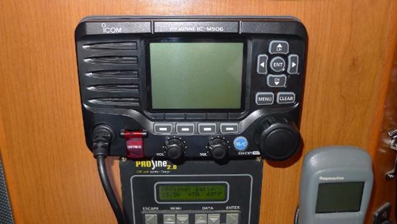 VHF 2008 HUNTER 49 Cruising Sailboat 1657196