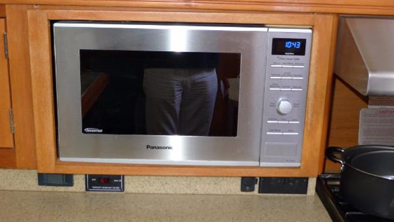 Microwave 2008 HUNTER 49 Cruising Sailboat 1657205