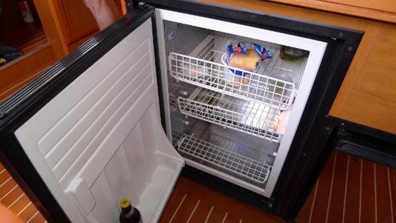 Refrigerator 2008 HUNTER 49 Cruising Sailboat 1657206