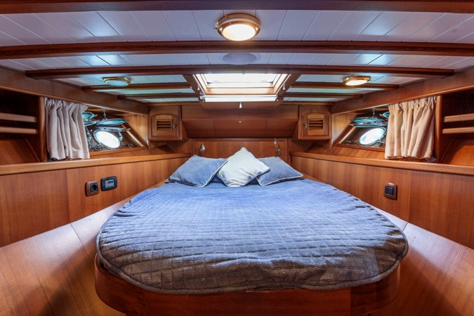 2005 Oliver Design  Motor Yacht 1657125