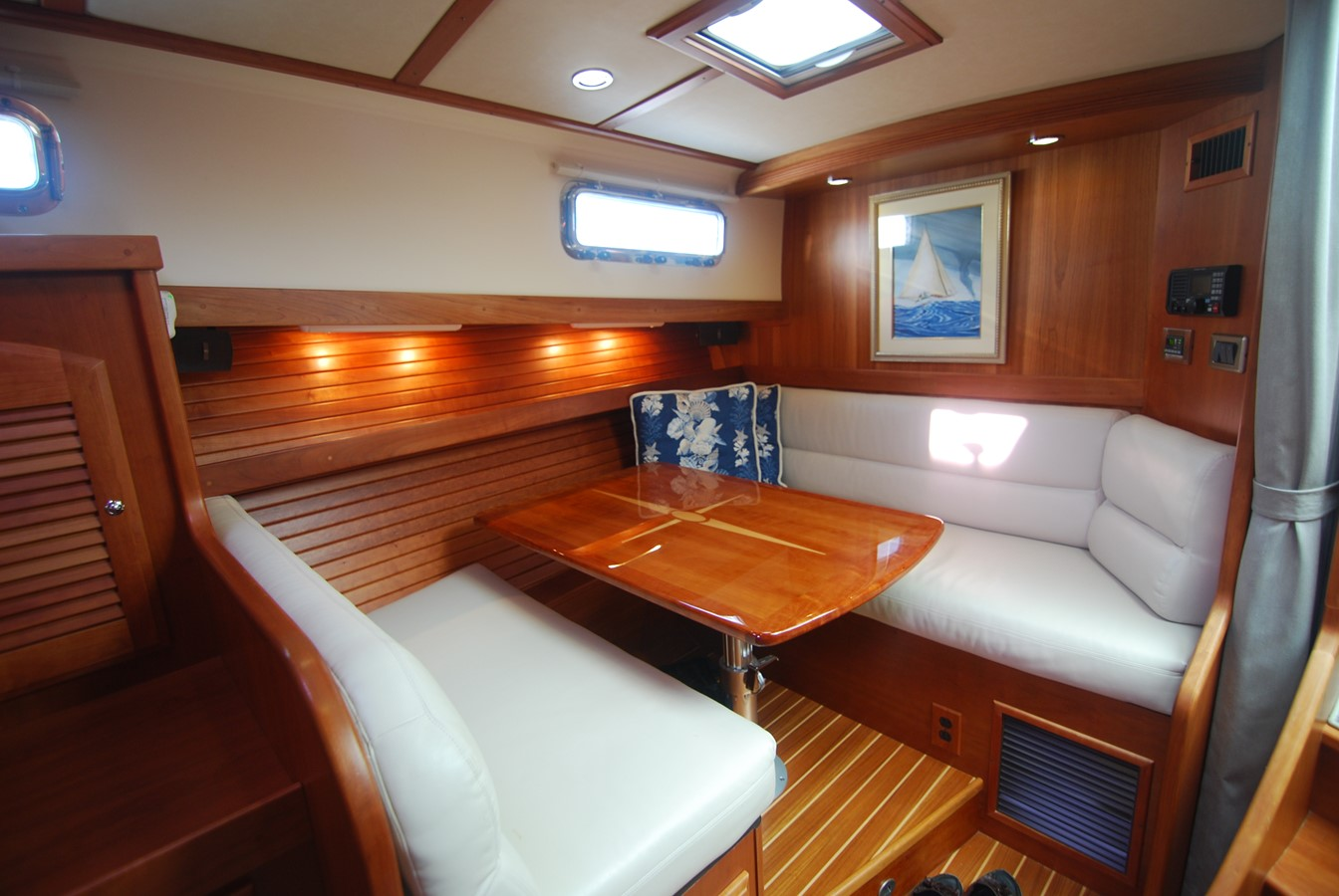 Lower Dinette View Aft 2010 SABRE YACHTS  Motor Yacht 1670276