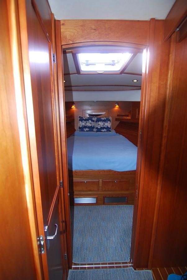 Master SR View Forward 2010 SABRE YACHTS  Motor Yacht 1670279