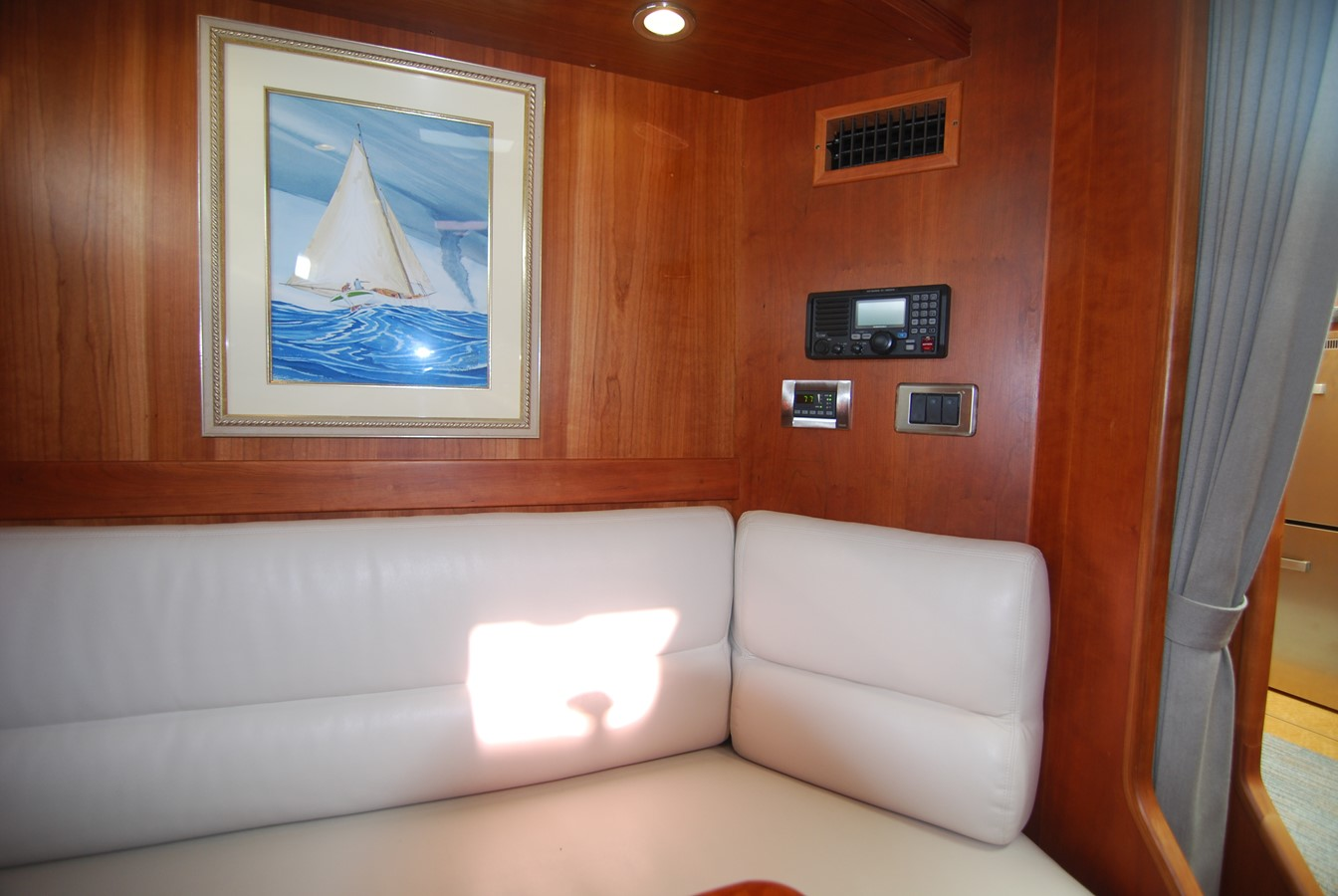 Lower Dinette View Aft 2010 SABRE YACHTS  Motor Yacht 1670283