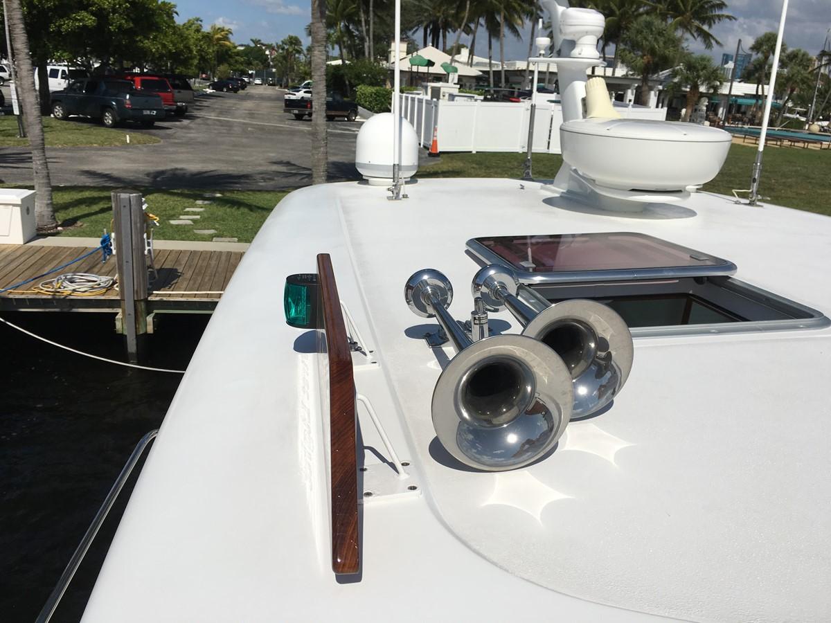 Kahlenberg Horns & Whistle 2010 SABRE YACHTS  Motor Yacht 1670395