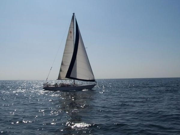 1989 CATALINA 38 Cruising/Racing Sailboat 1674507