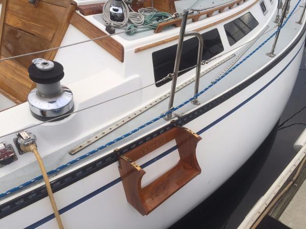 Dock Step for Boarding 1989 CATALINA 38 Cruising/Racing Sailboat 1674513