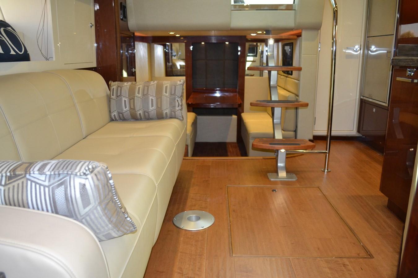 2015 SEA RAY 410 Sundancer Motor Yacht 1685760