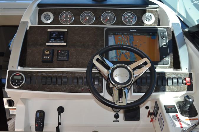 Helm Upgraded Raymarine® E165W Widescreen Open Array Radar/GPS/Chart Plotter 2015 SEA RAY 410 Sundancer Motor Yacht 1685724