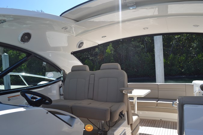 Helm Seats with Bolster 2015 SEA RAY 410 Sundancer Motor Yacht 1685732