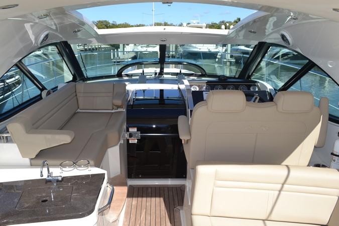 Cockpit deck layout 2015 SEA RAY 410 Sundancer Motor Yacht 1685734