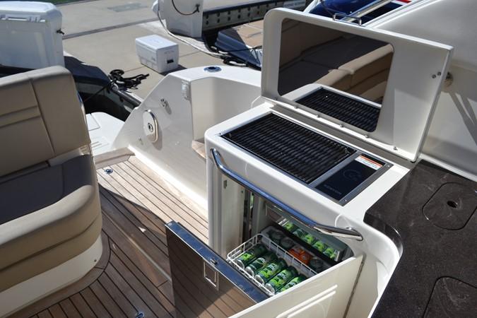 Cockpit Grill Refrige 2015 SEA RAY 410 Sundancer Motor Yacht 1685743