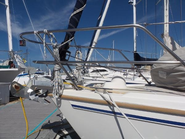 Anchor 1983 CATALINA 36 Cruising Sailboat 1759769